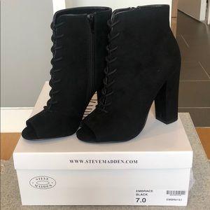 NWT Steve Madden Embrace Black Heeled Boots